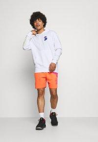 Nike Sportswear - HOODIE - Luvtröja - white - 1