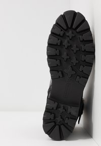 Steven New York - XIAMARA - Cowboy/biker ankle boot - black - 6