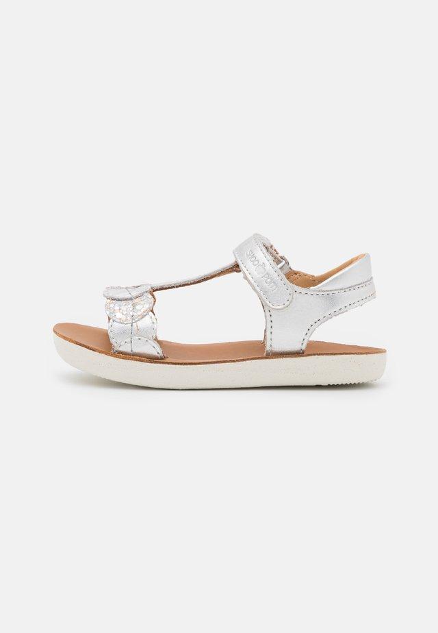 GOA DOTS - Sandaalit nilkkaremmillä - silver/multicolor