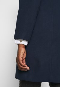 CAPSULE by Simply Be - SINGLE BREASTED COAT - Classic coat - navy - 6