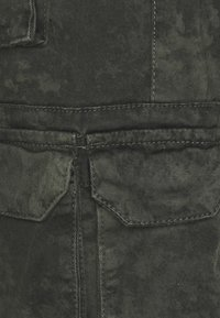 Good For Nothing - ACID WASH PANTS ONLY SIZE - Cargobyxor - green - 6