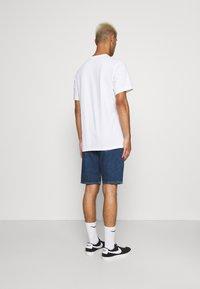 Calvin Klein Jeans - REGULAR  - Džínové kraťasy - blue - 2