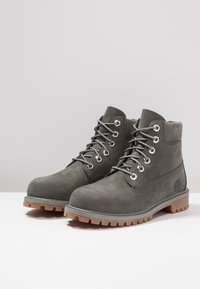 Timberland - ICONIC CLASSICS 6 INCH PREMIUM WP BOOT - Lace-up ankle boots - coal - 3