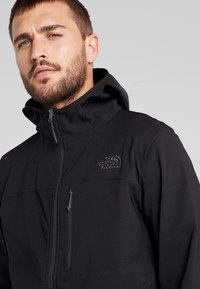 The North Face - NIMBLE HOODIE - Softshellová bunda - black - 3