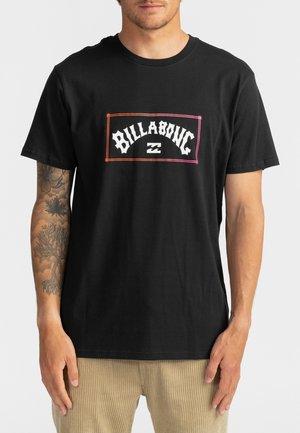 ARCH  - Print T-shirt - black