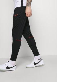 Nike Performance - ACADEMY 21 PANT - Træningsbukser - black/siren red - 3