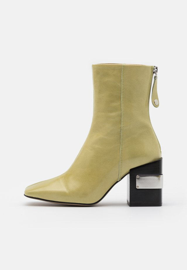 HARRIS BLOCK - High heeled ankle boots - lime