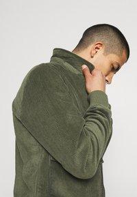 REVOLUTION - Summer jacket - army - 3