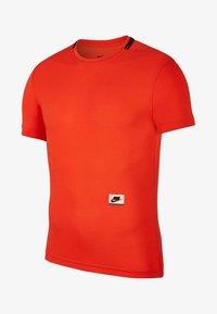 Nike Performance - Basic T-shirt - red - 0