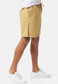 Vans - RANGE SALT WASH - Shorts - dried tobacco - 2
