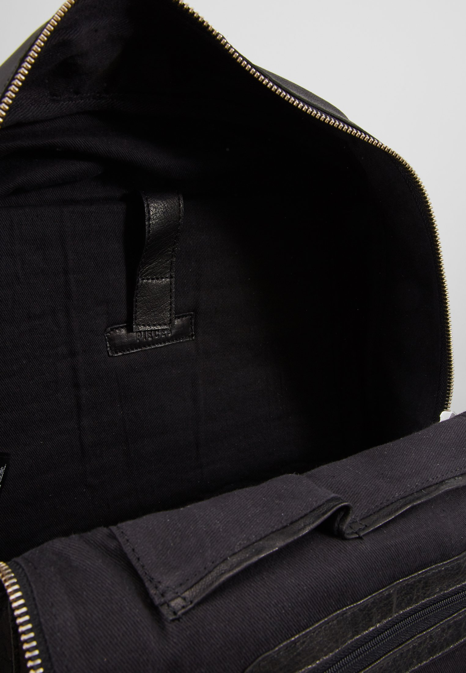 Pieces Tagesrucksack - Black/schwarz