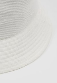 Object - Cappello - white sand - 5