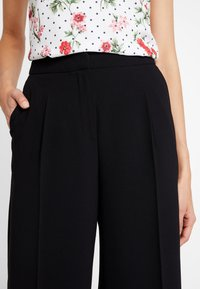 Selected Femme - SLFTINNI WIDE PANT - Bukse - black - 4