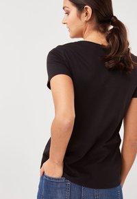 Next - Basic T-shirt - black - 2