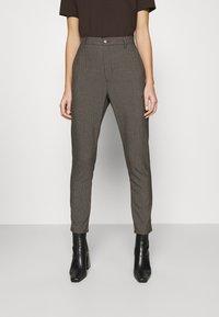 Hope - NEWS EDIT TROUSERS - Trousers - khaki brown - 0