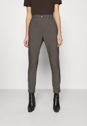NEWS EDIT TROUSERS - Pantalones - khaki brown