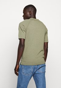 CLOSED - Polo shirt - soft khaki - 2