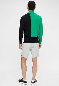 J.LINDEBERG - Sports shorts - stone grey - 2