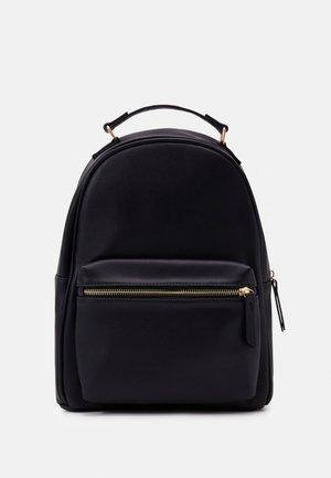 Batoh - 802 - black