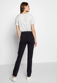 J Brand - HIGH RISE CROP CIGARETTE - Jeansy Straight Leg - blue denim - 2