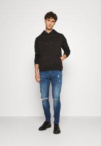 CLOSURE London - SPLATTER - Jeans Skinny Fit - blue - 1