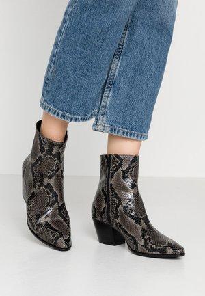 Cowboy/biker ankle boot - asphalt