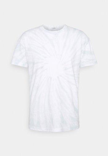 MATCHBACK HOOKUP - T-shirt med print - spiral wash