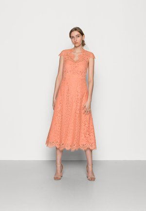 MARIA - Cocktailjurk - shell coral