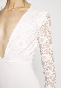 Missguided - BRIDAL PLUNGE LONG SLEEVED MAXI DRESS - Abito da sera - ivory - 5