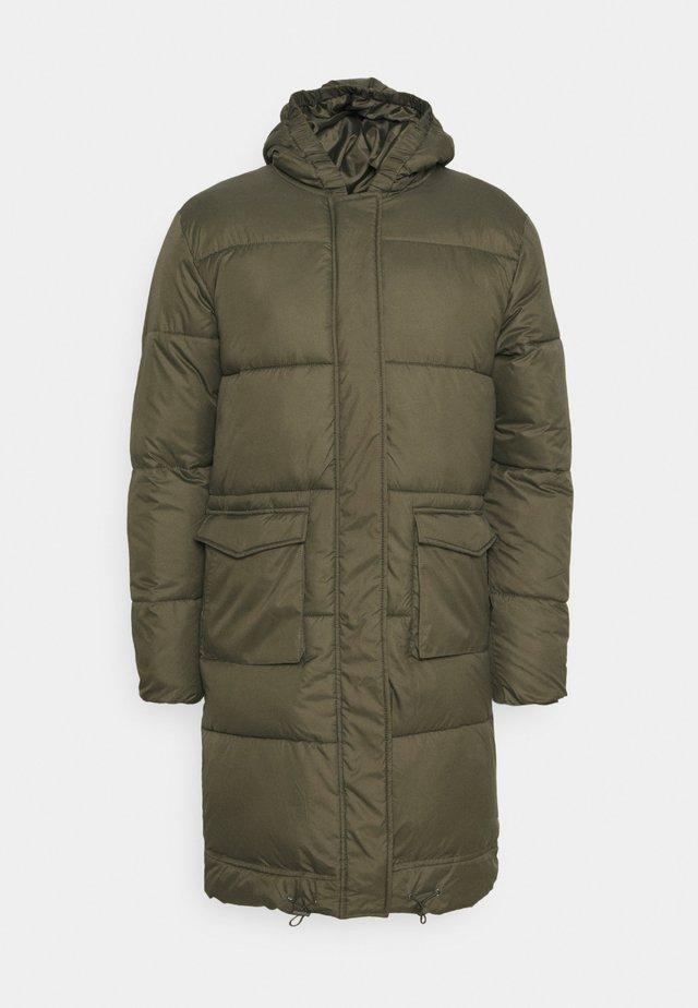 LONGLINE EXTREME JACKET UNISEX - Winter coat - khaki