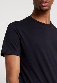 Weekday - ALAN - Jednoduché triko - dark blue - 5