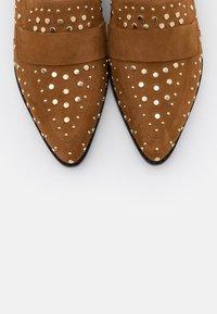 Copenhagen Shoes - Slip-ons - cognac - 5