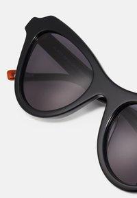 Le Specs - BLAZE OF GLORY - Zonnebril - black - 3