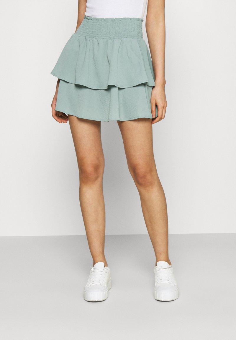 ONLY - ONLNOVA LUX SMOCK  - Plisovaná sukně - chinois green