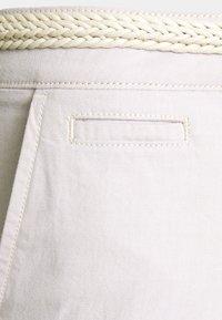 TOM TAILOR DENIM - WITH BELT - Shorts - beige twill - 2