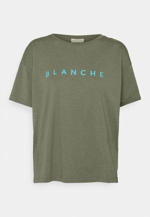 MAIN CONTRAST - Basic T-shirt - agave green