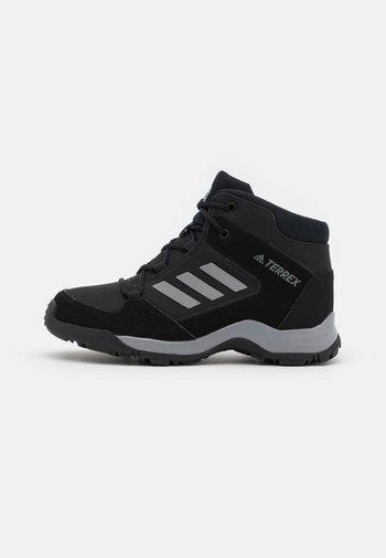TERREX HYPERHIKER TRAXION HIKING SHOES UNISEX - Hiking shoes - core black/grey three