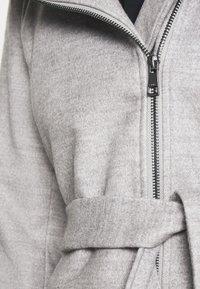 ONLY - ONLCANE COAT - Abrigo corto - light grey melange - 5