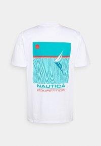 NAUTICA COMPETITION - SCUTTLES - Print T-shirt - white - 1