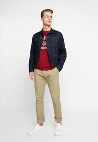 GANT - GRAPHIC  - Print T-shirt - mahogny red - 1