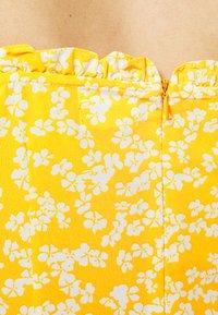 Glamorous - CARE PRINTED MINI DRESS WITH SHOULDER TIE DETAIL - Hverdagskjoler - yellow - 4