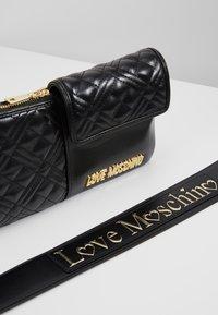 Love Moschino - Taška spříčným popruhem - black - 5