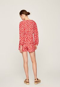 Pepe Jeans - LIBERTY - Shorts - red - 2
