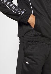 Kappa - VROLLE TRACKSUIT - Dres - caviar - 7