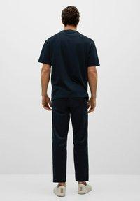 Mango - FUTURE-I - T-shirt print - bleu marine foncé - 2