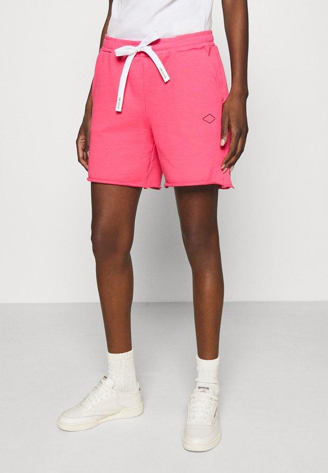 PANTS - Shorts - pink cyclamen