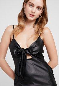 Missguided Petite - TIE FRONT CAMI MINI DRESS - Shift dress - black - 4