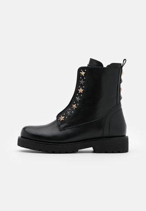 ANFIBIO BORCHIE - Kotníkové boty na platformě - nero