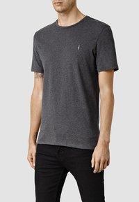 AllSaints - BRACE - Basic T-shirt - charcoal marl - 2