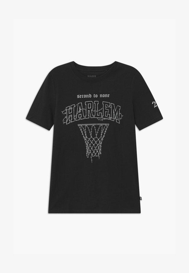 FREE BOYS SKATER - T-shirt med print - black